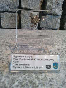 Stylizowany kur personifikujący bractwo kurkowe na ziemiach polskich J48 / EMB48 BRACTWO KURKOWE / 1994 / 1048 DOMINIAK AH™