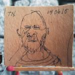 RYS126 – TOMAS NIKLASSON SJÄLVPORTRÄTT / 2015 - wymiar: 4,51 cm x 3,94 cm.