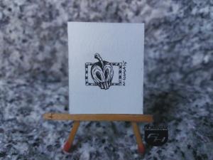 Zatrute jabłko rysunek tuszem 2,61 cm x 3,40 cm autor Wojtek Łuka 2015
