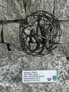 Okaz / Sztuka - miniaturowa rzeźba TANIEC Gérné Mezősi Aranka / 2013