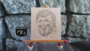 huk grunt RYS58 – AUTOPORTRET – karykatura nr 1 2014 Volodymyr Goncharenko (Володимир Гончаренко) - wymiar: 3,10 cm x 3,30 cm.