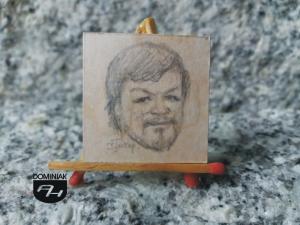 Autoportret rysunek ołówkiem 3,10 cm x 3,10 cm autor Volodymyr Goncharenko 2014