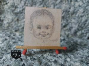 Dzieciństwo faza ewolucji istnienia ukraińskiego arcymistrza uzyskana cienkim prętem grafitowym Dzieciństwo rysunek ołówkiem 3,10 cm x 3,30 cm autor Volodymyr Goncharenko 2014