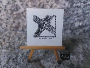 Ukrzyżowany rysunek tuszem 3,18 cm x 3,20 cm autor Wojtek Łuka 2015
