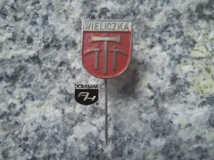 WIELICZKA herb koresponduje z obyczajem górniczym miasta 1,40 x 1,65 cm wersja zapinki szpicak